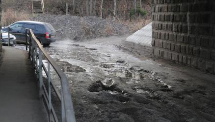 Благодаря бездействию районной власти, дорога под ЖД мостом превратилась в непроезжую