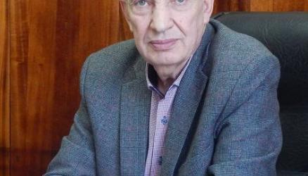 В этом году звание «Почётный гражданин Окуловского района» присвоено Виктору Ивановичу Квейсису