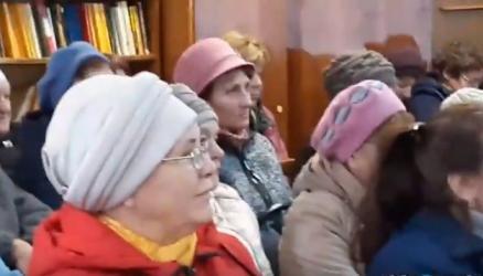 9 октября в Кулотино прошел сход граждан по вопросу строительства нового здания Кулотинской участковой больницы