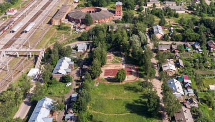 В Окуловке обустроят спортивную площадку «Локомотив»